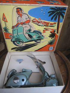 tres rare jouet ancien voiture a pedale scooter a pedale. Black Bedroom Furniture Sets. Home Design Ideas