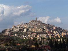 Palombara Sabina, Italy San Francisco Skyline, Countryside, Paris Skyline, Rome, Italy, Spaces, Holiday, Travel, Beautiful