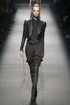 Haider Ackermann Fall 2008 Runway Pictures - Livingly