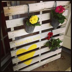 reuse a pallet - I used this originally for my wedding to hold the seating chart :) Pallet Seating, Wedding Stuff, Wedding Ideas, Seating Charts, Yard Ideas, Reuse, Craft Ideas, Table, Crafts