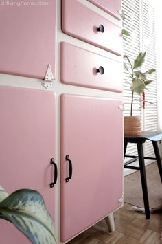 Shaby Chic, Upcycled Furniture, Interior Design Inspiration, New Kitchen, Chalk Paint, Credenza, Shabby, New Homes, Crafty