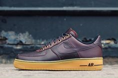 The white-on-whites held you down all summer long, and here's a deep burgundy version of the Air Force 1 Low that'll keep you fresh through winter. One third of the Workboot pack, this wine-colored banger sports a luxe leather upper, contrast laces, and a gum rubber outsole. Available soon at Alumni! Me Too Shoes, Men's Shoes, Nike Shoes, Sneakers Nike, Air Force Ones, Nike Air Force, Deep Burgundy, Shoe Game, Streetwear