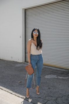 Need a perfect transition piece that takes you from day to night during the springtime? Take style inspo from @WalkinWonderland in our H&M top. | H&M OOTD