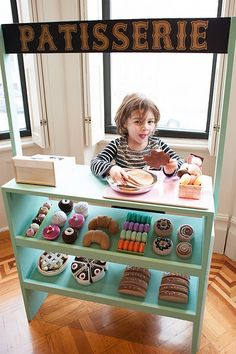 DIY Patisserie Stand | Brooklyn Limestone (cannot get over the pretend bakery items)