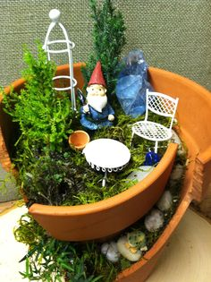 Broken Pot Gnome Garden