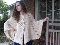 Ravelry: Project Gallery for Alpaca Cape Jacket pattern by Siobhan Brown - I am so making this!!
