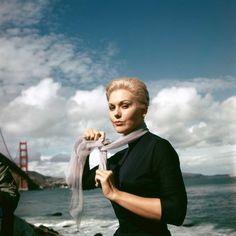 Kim Novak on the set of 'Vertigo', (Hitchcock, 1958).