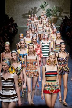 Dolce & Gabbana Spring 2013- Final Walk