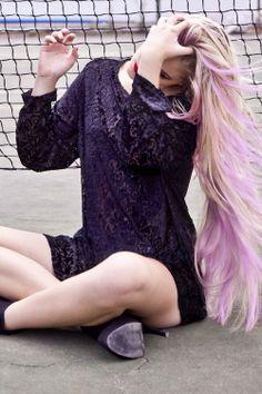 cheveux long pour femme avec coloration mauve - Coloration Mauve