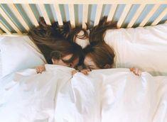 ʚ pin - lloverrose ɞ Korean Couple, Korean Girl, Asian Girl, Cute Lesbian Couples, Lesbian Love, Ulzzang Couple, Ulzzang Girl, Age Of Youth, Korean Best Friends