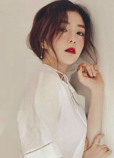 Comparing the beauty of 3 goddesses representing Red Velvet, Black Pink and TWICE - Sexy K-pop Red Velvet アイリン, Red Velvet Irene, Red Velvet Wendy, Red Velvet Seulgi, Kpop Girl Groups, Kpop Girls, Red Velvet Photoshoot, Red Valvet, Celebrity Magazines