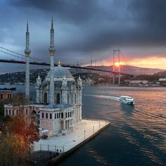 Ortaköy, İstanbul #comeseeturkey #istanbul Fotoğraf: @ilhan1077