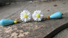 and then it was spring  earrings with  daisy flower by mooisvanme, €10.00