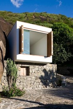 We already got Modern Tiny House on Small Budget and will make you swon. This Collections of Modern Tiny House Design is designed for Maximum impact. Architecture Résidentielle, Container Architecture, Contemporary Architecture, Installation Architecture, Parisian Architecture, Modern Small House Design, Tiny House Design, Modern Design, Casas Containers