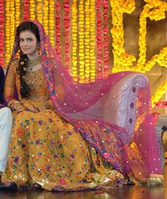 Ideas For Bridal Lehenga Pakistani Mehndi Pakistani Mehndi Dress, Bridal Mehndi Dresses, Pakistani Wedding Outfits, Pakistani Bridal Wear, Bridal Lehenga, Pakistani Dresses, Indian Bridal, Indian Dresses, Mehendi