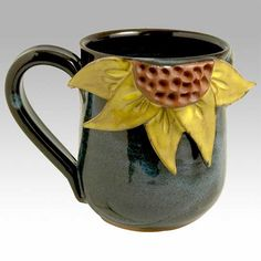 Clay Pottery Ideas For Beginners Ceramic ideas ceramics . Hand Built Pottery, Slab Pottery, Pottery Mugs, Ceramic Pottery, Pottery Art, Pottery Painting, Clay Mugs, Ceramic Mugs, Ceramic Art