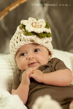 Crochet Baby Beanie in Beige Ivory and Green with Detachable Flower Clip...THIS BABY IS TOO CUTE