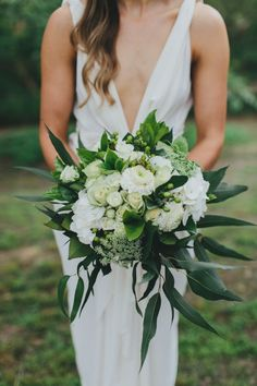 green and white modern wedding bouquet