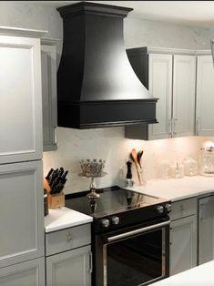 Epicurean Curved Style Range Hood | Etsy Black Kitchens, Kitchen With Black Appliances, Dream Kitchens, Cupboards, Kitchen Cabinets With Black Appliances, Grey Cabinets, Beautiful Kitchens, Kitchen Countertops, Black Range Hood