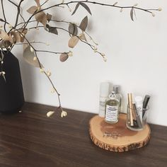 Repurposed Canadian cheese board + dried arrangement by the lovely @markantonia.ltd