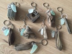 Driftwood Sea Glass KeyRing Handmade from Isle of Wight Beaches Natuical Gift Idea Beach Love Key Chain Fob Wedding Favors These keyrings are such a popular item in my Etsy store! Twig Crafts, Beach Crafts, Stone Crafts, Seashell Crafts, Driftwood Projects, Driftwood Art, Driftwood Beach, Aquarium Driftwood, Painted Driftwood