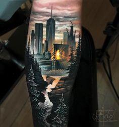 Perfect realistic tattoo works of New York city motive done by artist Arlo Tattoo New York Tattoo, Nyc Tattoo, City Tattoo, Nyc Skyline Tattoo, Tattoo Arm, Leg Tattoo Men, Kunst Tattoos, Neue Tattoos, Body Art Tattoos