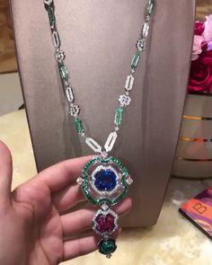 The Diamonds Girl ~ Bulgari New Jewellery Design, Diamond Girl, Bulgari Jewelry, Diamond Jewellery, Fine Jewelry, Gems Jewelry, Emeralds, Fashion Jewelry, Don't Forget