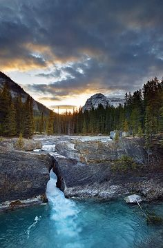 The Natural Bridge, Kicking Horse River,Yoho National Park,British Columbia, Canada