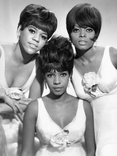 The Supremes were an American female singing group and the premier act of Motown Records during the The Supremes were the most commercially successful of Motown's acts and are, to date, America's most successful vocal group with 12 number one singl Rap Singers, Female Singers, Soul Singers, 60s Music, Music Icon, Indie Music, Soul Musik, The Ventures, Musica Popular