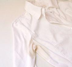 Eliminar-manchas-amarillas-de-la-ropa-blanca -1 taza de vinagre  – 1 taza y media de bicarbonato de sodio - 1 cucharada de sal  – 1 cucharada de agua oxigenada