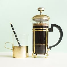 Black gold. Coffee is hard to beat. But served like this not even freshley squeezed magic fruit juice stands a chance.