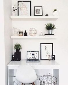 99+ amazing small space home office décor ideas (30)