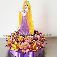 Base Rapunzel Chupa Chups Fiori Rapunzel Birthday Party, Cinderella Birthday, Princess Birthday, Princess Party, Care Bear Birthday, Girl Birthday Themes, Birthday Crafts, Birthday Decorations, Lollipop Bouquet