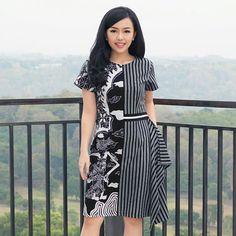 Model Dress Batik, Batik Dress, Batik Fashion, Ethnic Fashion, Blouse Batik Modern, Casual Dresses, Short Dresses, Ikkat Dresses, Kebaya Dress