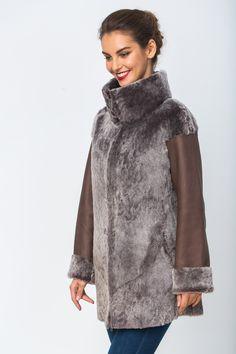 Fashion Poses, Fur Fashion, Fashion 2017, Hijab Fashion, Paris Fashion, Winter Fashion, Fashion Outfits, Womens Fashion, Elisa Cavaletti
