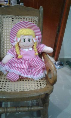 Doll Crafts, Dolls, Chair, Furniture, Home Decor, To Sell, Baby Dolls, Decoration Home, Room Decor