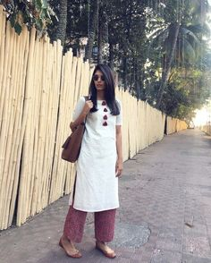 Palazzo pants are typically worn with western outfits. But here we have different ways to style palazzo pants with Indian outfits. Salwar Designs, Kurti Neck Designs, Kurta Designs Women, Kurti Designs Party Wear, Blouse Designs, Indian Designer Outfits, Indian Outfits, Indian Dresses, Indian Formal Wear