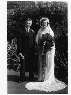 1937 bride with long veil
