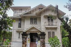 Baguio's most haunted. the Laperal White House, Leonard Wood Rd. Baguio Philippines, Philippines Beaches, Philippines Travel, Spanish Colonial, Spanish Style, Filipino House, Leonard Wood, Bamboo House Design, Baguio City