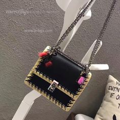 Louis Vuitton Twist, Buy Now, Chanel, Shoulder Bag, Stuff To Buy, Bags, Fashion, Handbags, Moda