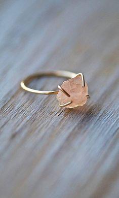Raw Gemstone Ring Dainty Ring Raw Morganite Ring by seabluestudio Cute Jewelry, Jewelry Rings, Jewelry Accessories, Jewelry Design, Jewlery, Lego Jewelry, Nail Jewelry, Craft Jewelry, Beach Jewelry
