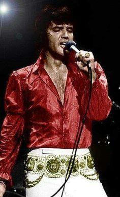 ☜(◕¨◕)☞   Elvis In Red