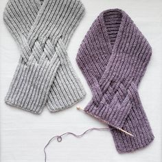 First of all, thank you for all the likes to this scarf!💞 So I'm working on the second one for pattern… Knitted Coat, Knitted Gloves, Knitted Shawls, Crochet Scarves, Crochet Clothes, Knitting Blogs, Knitting Designs, Knitting Projects, Knitting Patterns