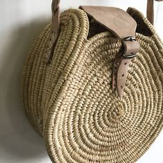 Deco Design, Straw Bag, Stitching, Decor, Baskets, Objects, Bag, Costura, Decoration