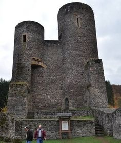 Frauenburg Castle built in Right outside of the base I was stationed in Baumholder, FRG. Attended a wedding here The Beautiful Country, Beautiful Places, Places To Travel, Places To See, Germany Castles, Castle Ruins, Old Churches, Largest Countries, Abandoned Castles