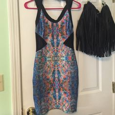 Dress Very sturdy and thick, extremely flattering patterned dress! Worn only twice Forever 21 Dresses Mini
