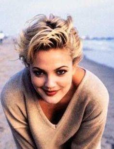 Drew Barrymore Cute-Short-Blonde-Pixie-Hairstyles