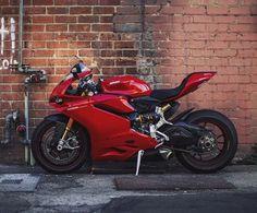 Super Bikes, Ducati 1299 Panigale, Ducati Motorbike, Skate, Motorcycle Wheels, Street Bikes, Biker Girl, Bike Design, Bike Life