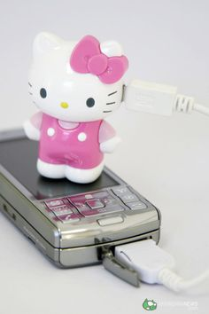 HK Phone Charger http://www.shinyshiny.tv/Hello_Kitty_Phone_Charger_001.jpg