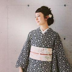 うめだ阪急で、実物が見たかった!!と、リクエストの多かったハナミズキの黒曜石。商品、再入荷しています。http://www.kimonomodern.com/smp/item/ki-hanamizuki.html#着物 #着物コーデ #着物好き #キモノ #キモノ#kimono #kimonomodern #kimonos